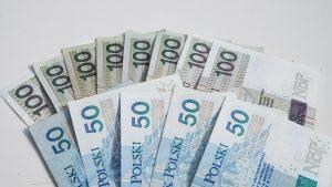 Jak ulokować pieniądze i na tym skorzystać?